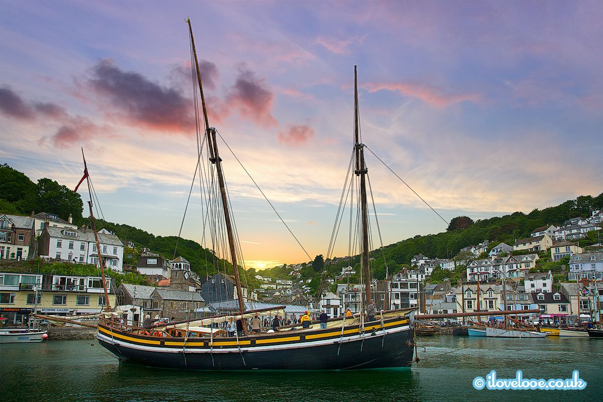 iLoveLooe Looe 2018 Calendar June